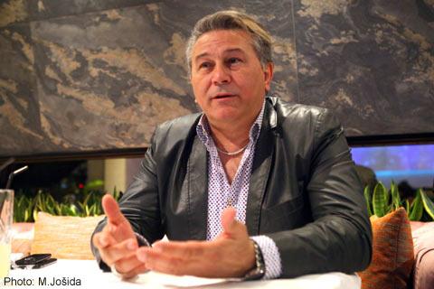 Halid Muslimović: Най-големият измамник на естрадата?