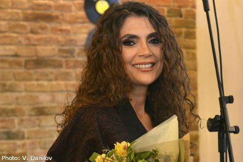 "Ekstra Nena промотира албума си ""Marioneta"""