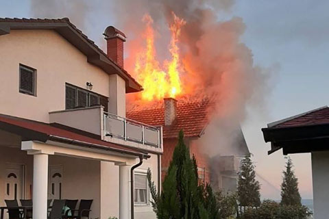 Къщата на Sinan Sakić в Лозница изгоря при пожар
